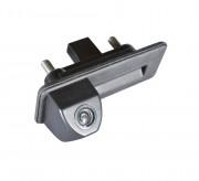 Камера заднего вида Prime-X TR-01 для Audi A1, Skoda Fabia II, Octavia A5, Roomster, SuperB Combi, Yeti (в ручку багажника)
